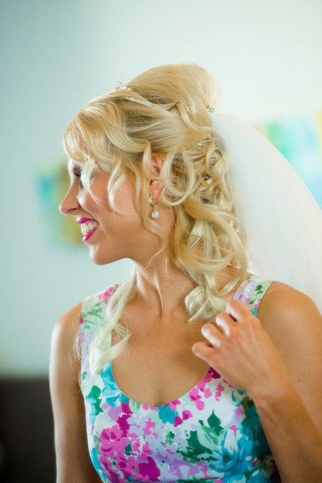 soft loose curls green island wedding hair and makeup